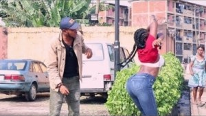 Video: Zfancy Tv Comedy - Scorpion Prank 3 (African Pranks)